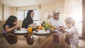 لتجنب العطش في رمضان.. 5 أطعمة تجنبها وأخرى لا تفوتها