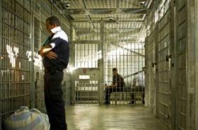 الاحتلال يمدد اعتقال مدير هيئة الأسرى في رام الله بلال جلامنة لمدة أسبوع