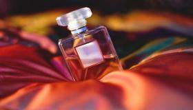تجعل رائحتها تدوم.. ما الطريقة الصحيحة لتخزين العطور؟