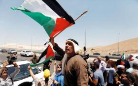 """إضراب بغزة ومسيرات شعبية بالضفة رفضا لـ """"ورشة البحرين"""""""