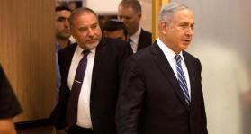 ليبرمان: نتنياهو خضع لحماس في غزة و لليهود المتدينين