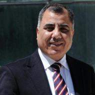 الحكومة: لن نقايض حقوقنا بالمال ويتم العمل تدريجيا على مساواة موظفي غزة بالضفة