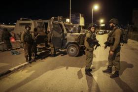 شبان يحطمون 3 دوريات لشرطة الاحتلال في العيسوية