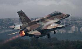 الطيران الحربي الإسرائيلي يقصف أهدافاً في قطاع غزة