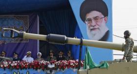 إيران: عائلتان حاكمتان في الخليج مصيرهما الزوال مع إسرائيل