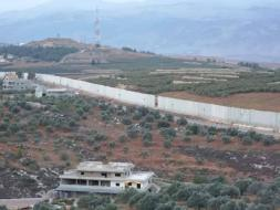 الاحتلال يفرض قيودا على حركة المركبات غير العسكرية على الحدود مع لبنان