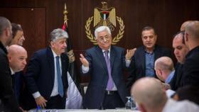 أول تعليق من حماس على قرار الرئيس عباس بشأن مستشاريه والحكومة السابقة