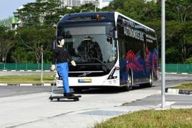سنغافورة تعلن عن تجربة حافلة بدون سائق