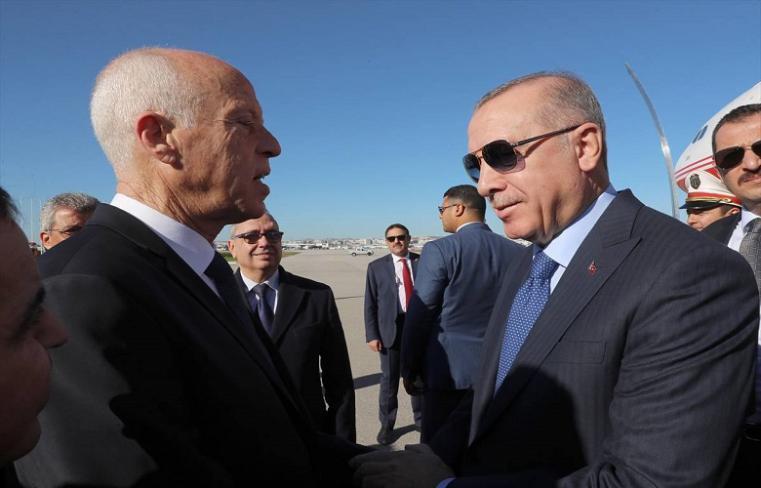 هل طلب أردوغان من تونس فتح مجالها الجوي للتدخل في ليبيا؟