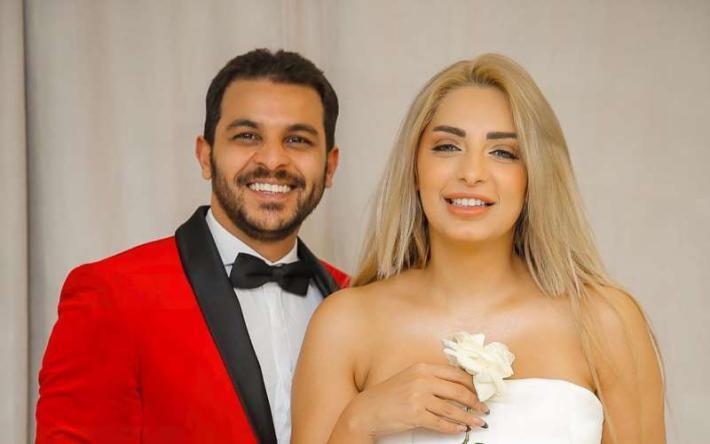 بالفيديو.. محمد رشاد في ورطة بسبب 5 مليون وزوجته تستغيث باكية