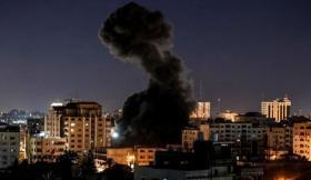 حماس تُعلّق على قصف الاحتلال رغم إعلان الطوارئ بغزة بسبب كورونا