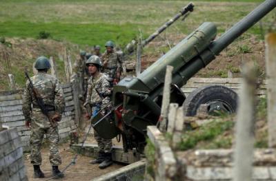 الجيش الأذربيجاني يعلن تدمير دبابات وتحصينات أرمينية