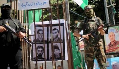 قناة عبرية: حماس تُطالب بتجديد مشاريع القطاع والاحتلال يشترط تقدماً بصفقة التبادل