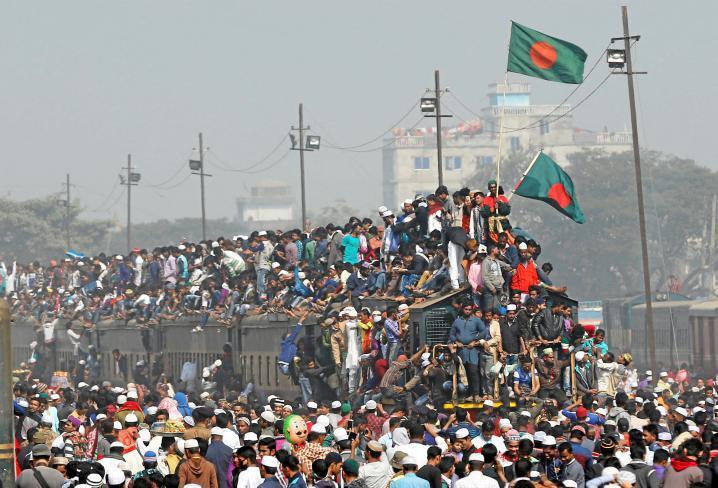 حشود غاضبة تضرب حتى الموت رجلا في بنغلاديش اتهم بتدنيس القرآن الكريم