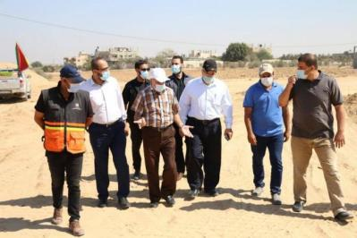 وزارة المالية تتفقد مشاريعها على حدود غزة مع مصر
