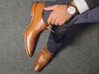 للرجال.. كيفية اختيار الأحذية المناسبة