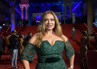 شاهد.. ليلى علوي تنشر فيديو لتوعية سيدات مصر ضد سرطان الثدي