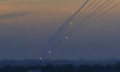 الإعلام العبري: هل إطلاق الصواريخ من غزة جاء نتيجة البرق والرعد؟
