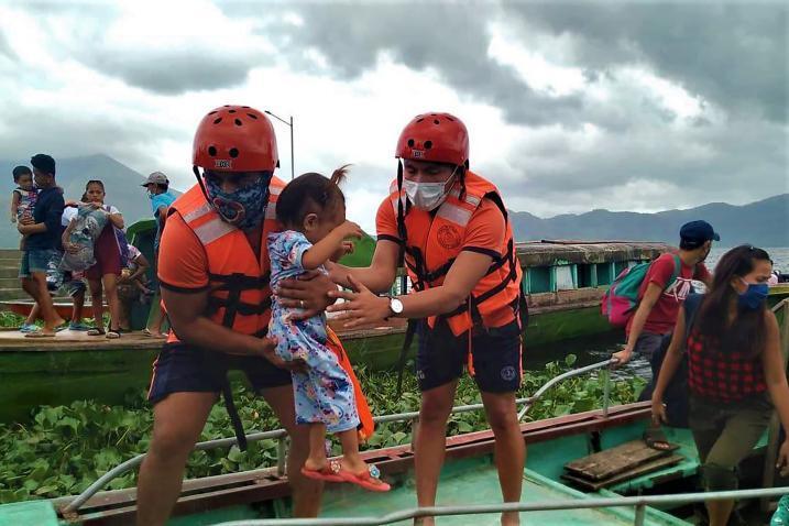 صور إعصار غوني في الفلبين