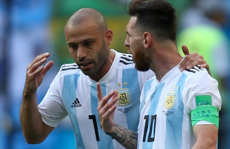 الأرجنتيني ماسكيرانو يعتزل كرة القدم بشكل مفاجئ (شاهد)