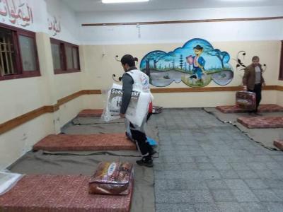 هروب من الشبابيك لمحجورين في غزة وتوعد مخالفي الأفراح باعتقال العريس