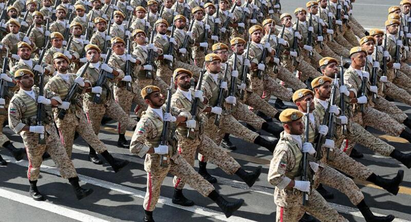 صحيفة القبس الكويتية: الحرس الثوري الإيراني ينقل صواريخ وطائرات مسيرة للعراق