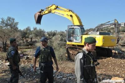 """إسرائيل تهدم سور مقبرة الشهداء لتنفيذ مخطط """"الحديقة التوراتية"""""""