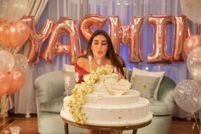 شاهد.. أحمد أبو هشيمة يحتفل بعيد ميلاد ياسمين صبري بهذه الطريقة