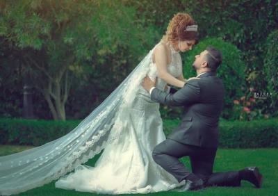 عروس تفرض 37 شرطا غربياً على صديقاتها لحضور الزفاف !
