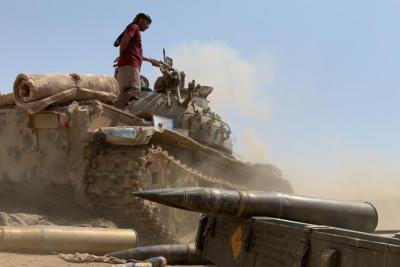 60 قتيلا بمعارك بين الحوثيين والجيش اليمني في مأرب