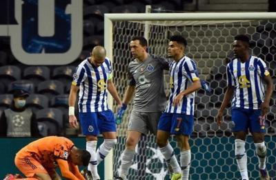 شاهد الفيديو.. سخرية واسعة من رونالدو بسبب لقطتين في مباراة بورتو
