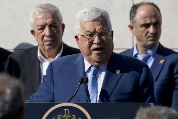 تعقيبا على قرار الجنايات الدولية.. صحفي إسرائيلي يحرض على أبو مازن والفلسطينيون غيروا قواعد اللعبة