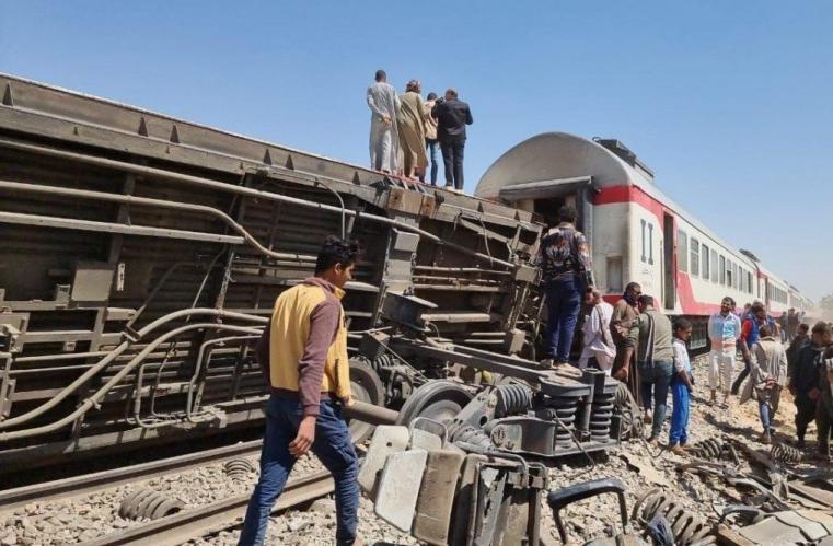 مفاجأة صادمة.. قطار سوهاج كان بدون سائق