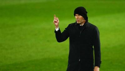 """الجهاز الطبي لـ """"ريال مدريد"""" يحذر زيدان"""