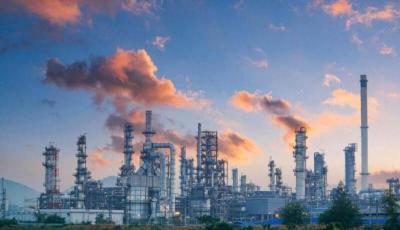 ارتفاع أسعار النفط متأثرة بالهجوم على منشآت نفطية سعودية