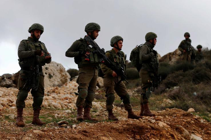 جيش الاحتلال يعتقل 7 مواطنين من الخليل