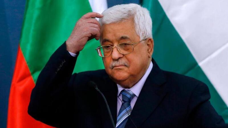 صحيفة: الرئيس أبو مازن تراجع عن هذا القرار الذي يضر باستمراره في منصب الرئاسة