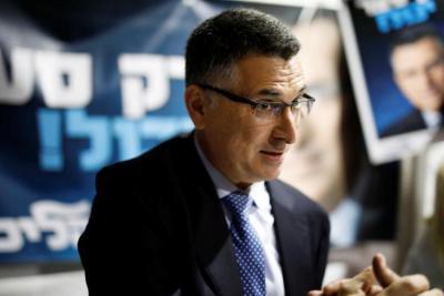 إسرائيل اليوم.. ضغوط على غدعون ساعر للانضمام إلى معسكر نتنياهو