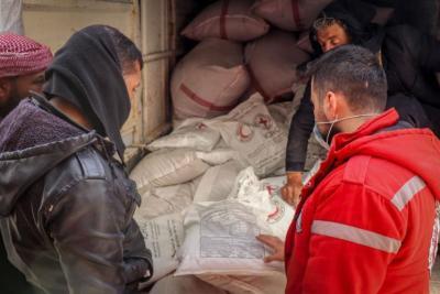 الهلال الأحمر العربي السوري ينفي منشورات منسوبة له عن توزيع مساعدات