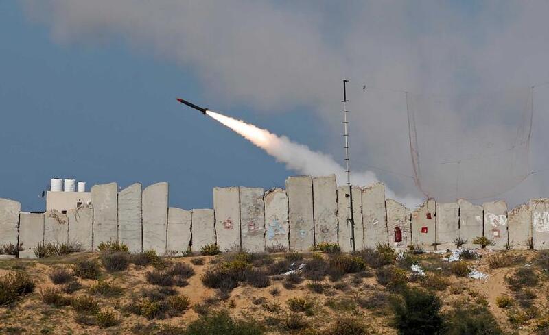 صحيفة لبنانية: حماس تهدد إسرائيل بإمكانية تفجير الأوضاع في غزة لهذا السبب