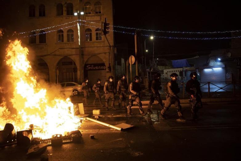 50 مقدسيًا اعتقلوا خلال مواجهات القدس
