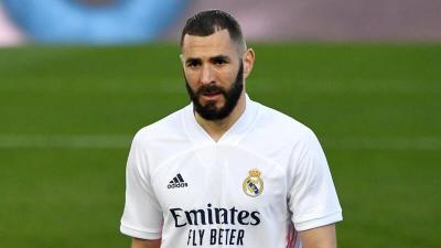 مكافأة ريال مدريد لبنزيما تُغضب راموس ومودريتش