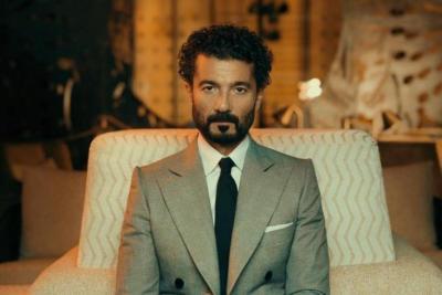 """زوجة خالد النبوي تطمئن الجمهور على صحته: """"نقل إلى غرفة عادية"""""""