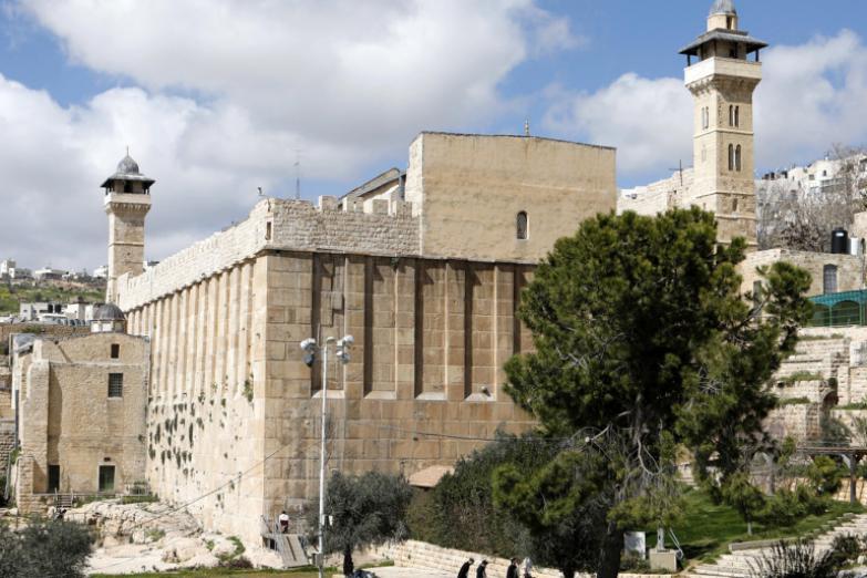 الجيش الإسرائيلي يزعم إحباطه عملية طعن قرب المسجد الإبراهيمي