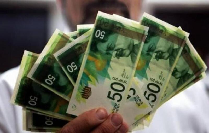 نقابة الموظفين بغزة تطالب وزارة المالية بصرف راتب كامل خلال شهر رمضان