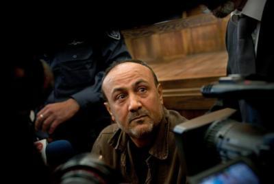 مسؤول كبير: حسين الشيخ يبذل جهودا مع البرغوثي لحل المشكلة القائمة
