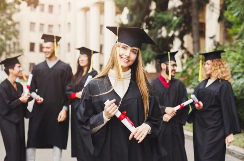جامعة تفاجئ نصف مليون طالب بخطابات قبولهم!
