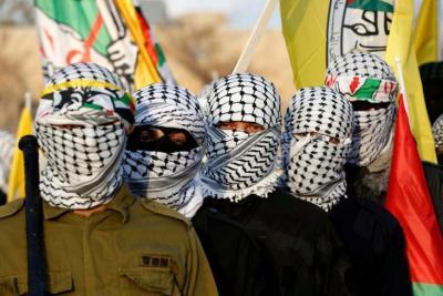 """صحيفة فرنسية: الانقسام داخل حركة فتح هو انعكاس لـ15عامًا من """"الحكم الاستبدادي"""""""