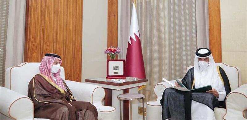 الملك سلمان يدعو أمير قطر لزيارة الرياض