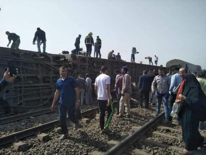 أول تعليق من وزير النقل المصري بعد حادث قطار طوخ (شاهد)